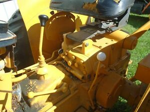 IH 2300A industrial tractor with bucket/loader same as b414 354 Sarnia Sarnia Area image 3
