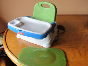The Fisher-Price Healthy Care Deluxe Booster Seat Kitchener / Waterloo Kitchener Area image 2