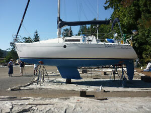 Beautiful Beneteau 285 sailboat