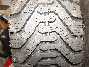3+1 winter tires Goodyear almost new 205 65R15 Gatineau Ottawa / Gatineau Area image 2