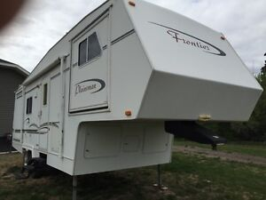 Frontier 27' fifth wheel