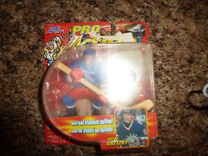 Wayne Gretzky Hockey Figurine