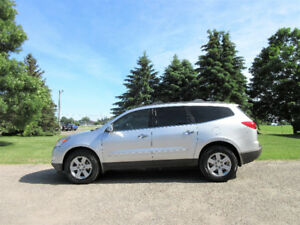 2010 Chevrolet Traverse LT AWD- RARE 8 PASSENGER!!  ONLY $9950