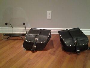 Sacoche en cuir (valise) et pare-brise