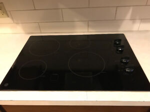 GE Electric Glass Cooktop