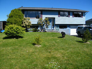 7555 GLACIER CRES W. PORT HARDY DELIGHTFUL FAMILY HOME!