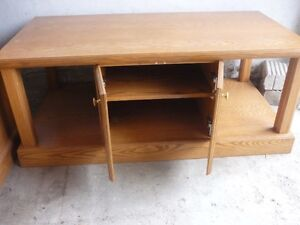Solid Oak Coffee Table & Matching TV Stand