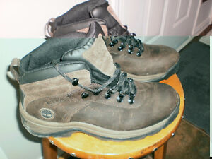PRICE DROP!!  NEW  TIMBERLAND BOOTS, MEN OR WOMAN. REAL LEATHER!