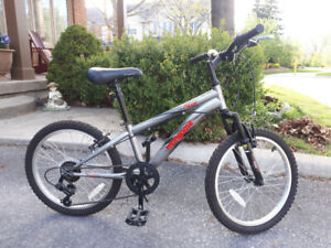 MOUNTAIN BIKE, Mongoose, 20""