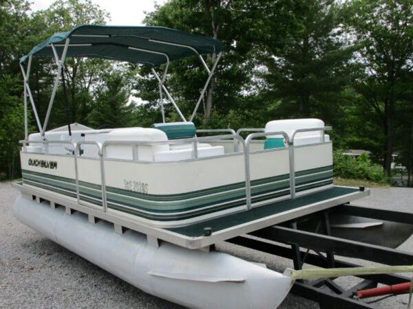 Used 1997 Smoker Craft Inc QUICKSILVER PONTOON