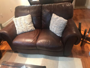 Leather leaving room set in a very good condition