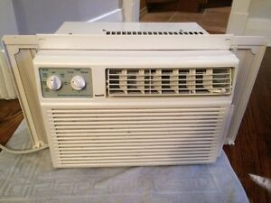 Forest window air conditioner London Ontario image 2