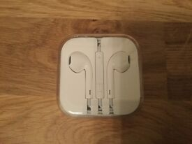 Apple EarPods with Remote and Mic - new unopened pack