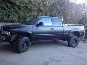 2001 Dodge Power Ram 2500 Laramie Pickup Truck