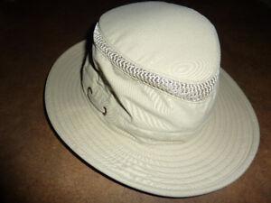 Chapeau Tilley pour femme.