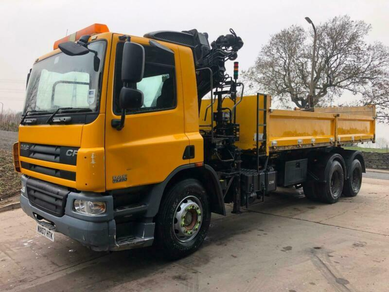 18281c14ab 2007 DAF CF 75.250 6x4 19ft9 alloy dropside tipper remote Hiab crane with  grab