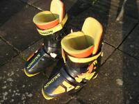 "Ski Boots - Size 8-9 ""Salomon"" Equipe"