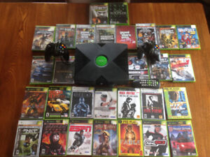 Original Xbox + 2 controllers + over 20 games for sale