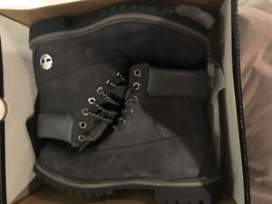 Timberland Noir taille 9.5 Homme