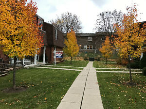 Great Location! only 10 minutes to Downtown London. London Ontario image 2