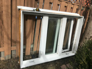 VINYL USED DOUBLE HUNG WINDOWS - Lifetime warranty -Top Quality