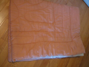 LARGE SOFT COZY LINED QUILTED COTTON BED PUFF...[PEACH TONE]