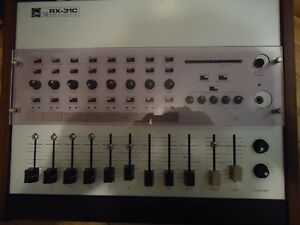 TOA PROFESSIONAL MIXING CONSOLE
