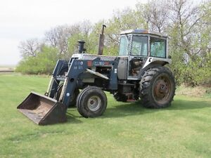 1979 White 2-105 Tractor w/ Allied Loader