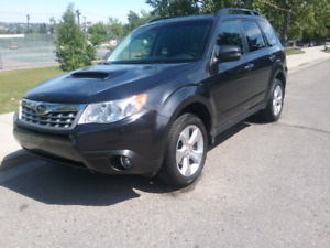 2013 subaru forester xt awd excellent condition