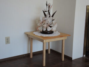 MAPLE END TABLES