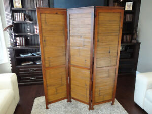 Lovely Solid Wood with quarter sawn Bamboo Pier One Room Divider