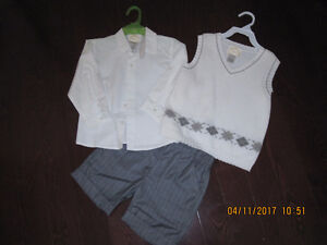 3 Piece Boy's Outfit - Size: 2T