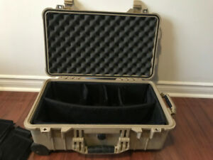Pelican 1510 Carry On Case with Padded Divider Set
