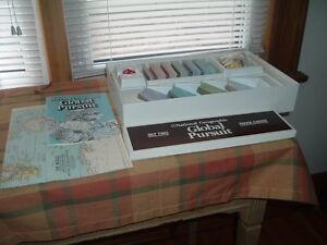 National Geographic Global Pursuit Trivia Board Game