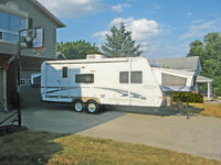 For RENT $500/week Family Owned Very Clean Hybrid Trailer