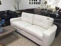 Sofa ou fauteuil 3 places en vrai cuir reconstitué blanc à 450$