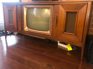 Mid Century Modern - Media Unit w/ Record Player & TV, Moving