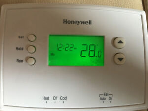 Honeywell thermostat almost new