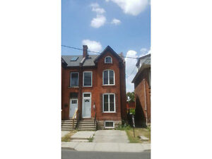 4 BR Home near King / Wentworth