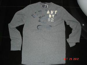 ABERCROMBIE & FITCH LONG SLEEVE SWEATER & SHIRT - SIZE M