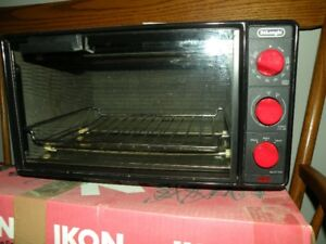 DeLonghi Toaster Oven