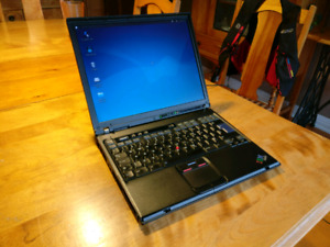 Portable laptop IBM T42