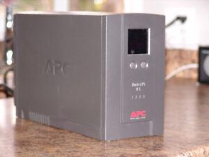 APC Back-UPS RS 1300 LCD - UPS - 780 Watt - 1300 VA