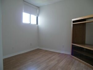 Spacious & Bright Waterloo Apartment! Pool & Utilities Included! Kitchener / Waterloo Kitchener Area image 7