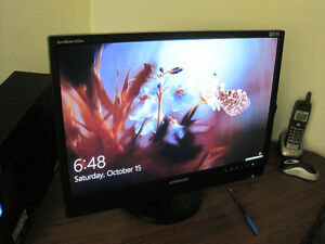 "22.5"" SAMSUNG widescreen monitor"