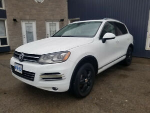 2014 VW Touareg TDI  8sp at w/Tip Only 77000 KM  Private Sale