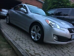 2011 Hyundai Genesis Coupe 2.0T with 3 years warranty