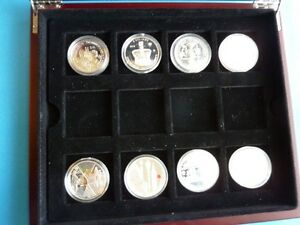 QUEEN'S JUBILEE 8 PURE SILVER COINS OF THE WORLD + REDWOOD CASE