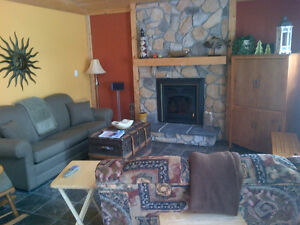 Modern Victoria Beach Cottage - Restricted Area June 26-July 7