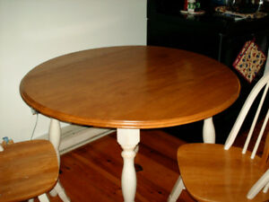 Kitchen/Dining Room Table Set